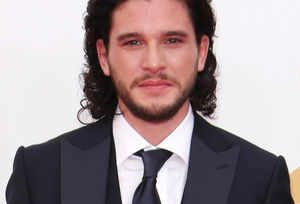 """Jon Snow """"Knows Nothing"""" About Sexual Harassment"""