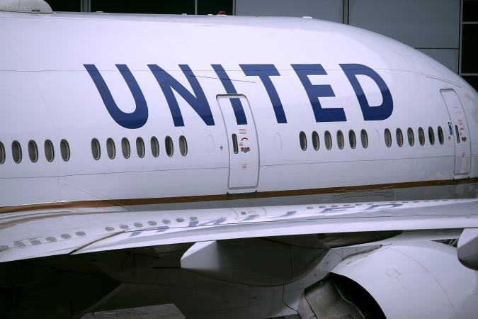 United Pilot Repeatedly Posted Sexually Explicit Photos of Flight Attendant On the Internet, Federal Agency Charges | Sexual Harassment | Hostile Work Enviornment
