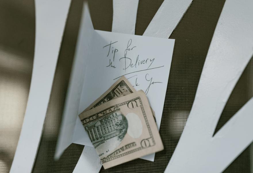 Dollar-Bill-Tips
